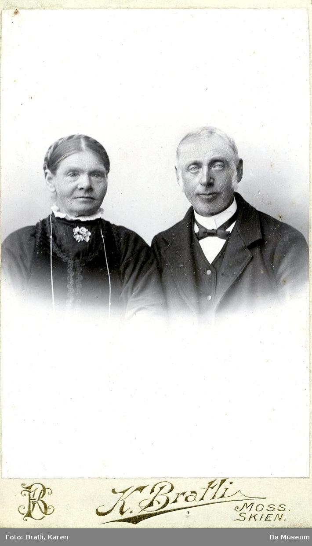 Portrett av Tollef Olavsson og Helbjørg Tolvsdtr. Kleiva