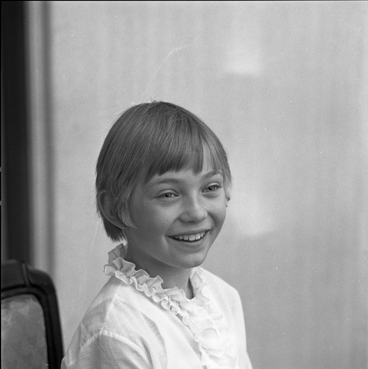 Anna-Karin Hamrelius, kandidat till Barnens Dagsprinsessa. Porträtt av flicka