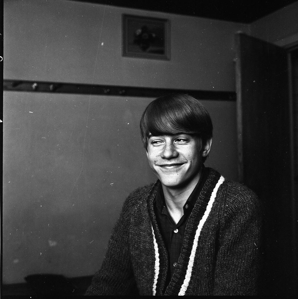 """Roger Haglund (""""Sluggo""""). Brottare. Porträtt av ung man."""