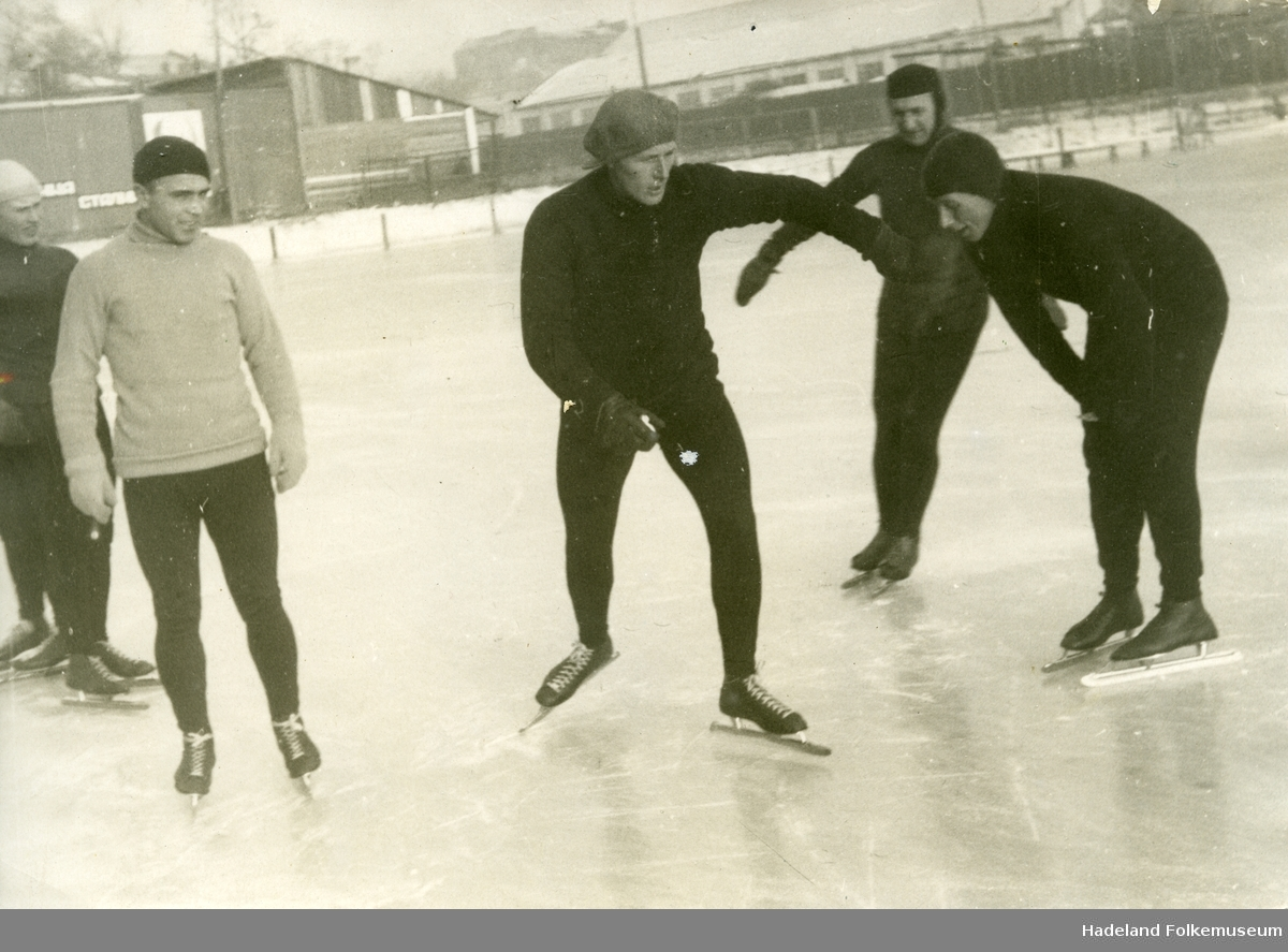 Skøyteløpere på stadion i Russland