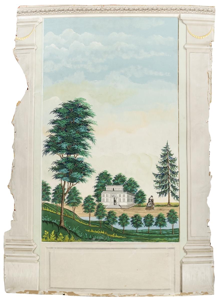 Del av väggmålning. Limfärg på papp. Pilastrar och målat väggfält. Ett par framför herrgård iförd 1850-talsklädsel.