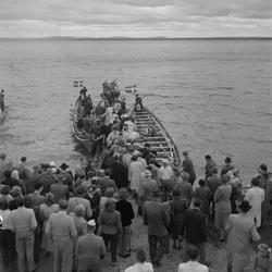 Motiv: (ingen anteckning) ; En folksamling vid Rättviks kyr
