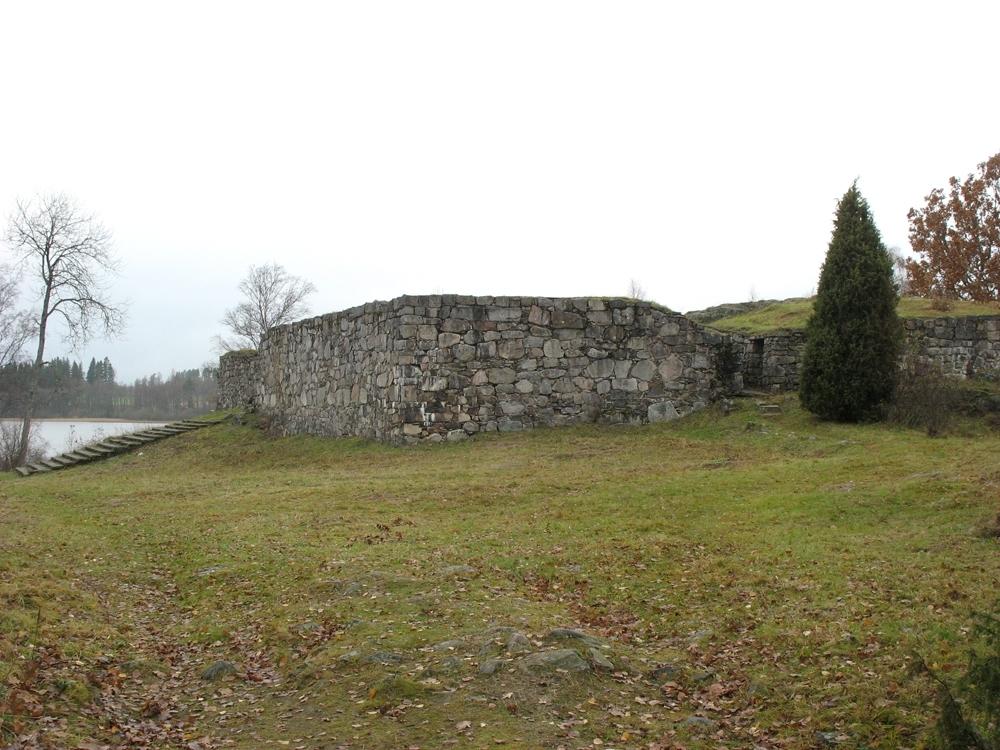 Exteriör, Hultaby slottsruin i Näsby socken i Vetlanda kommun.