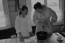 Matlaging, kjøkkenet, Gjersøyen, Liv i stuene (Foto/Photo)