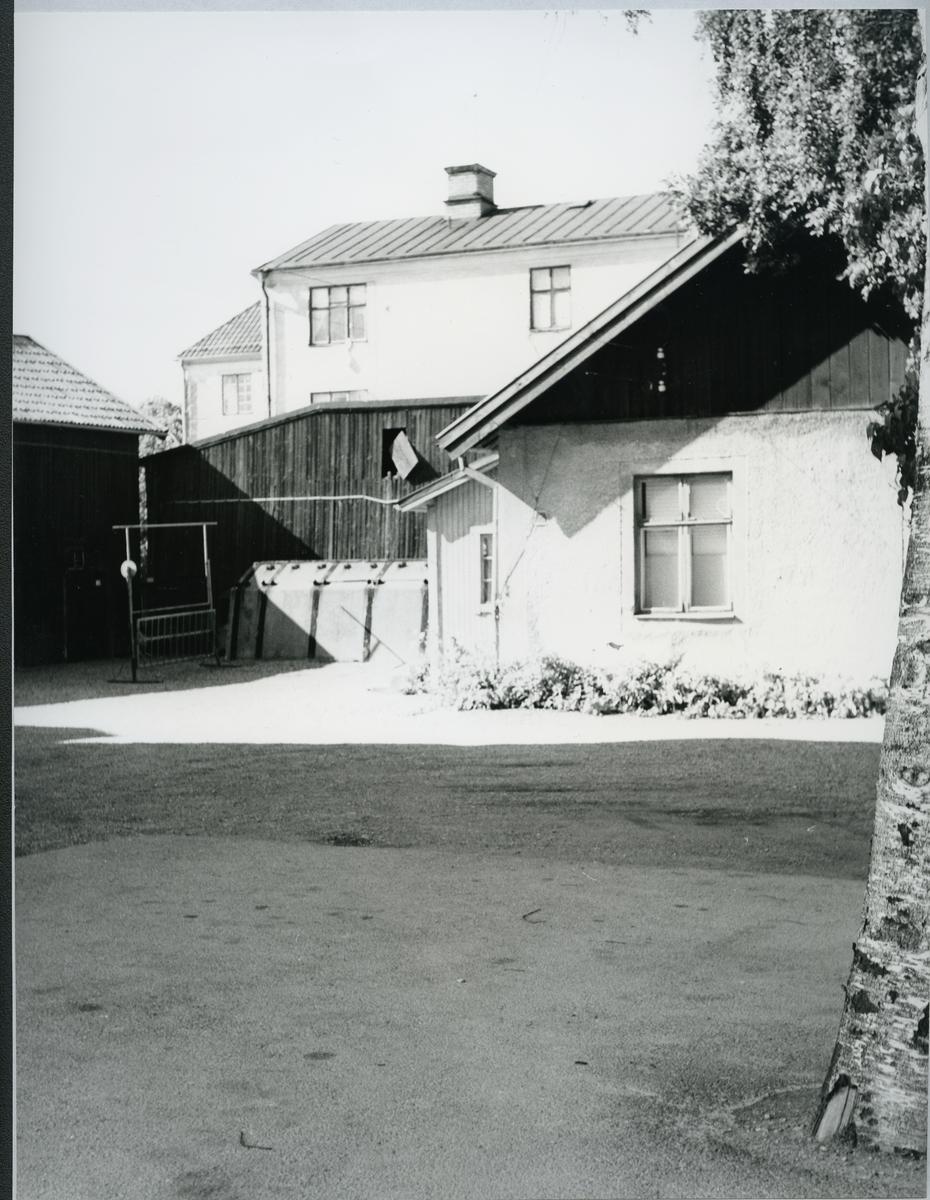 Västerås, Ängsgärdet, kv. Bågsågen. Innergård, c:a 1969.