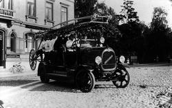 Brandkårens brandbil, inköpt 1921, fotograferad på Lilla Tor