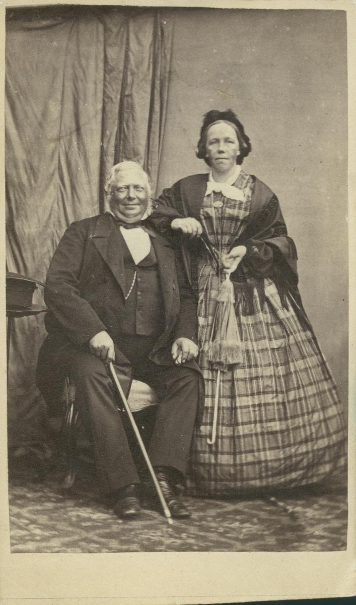 Sjökapten Ljungberg med fru.