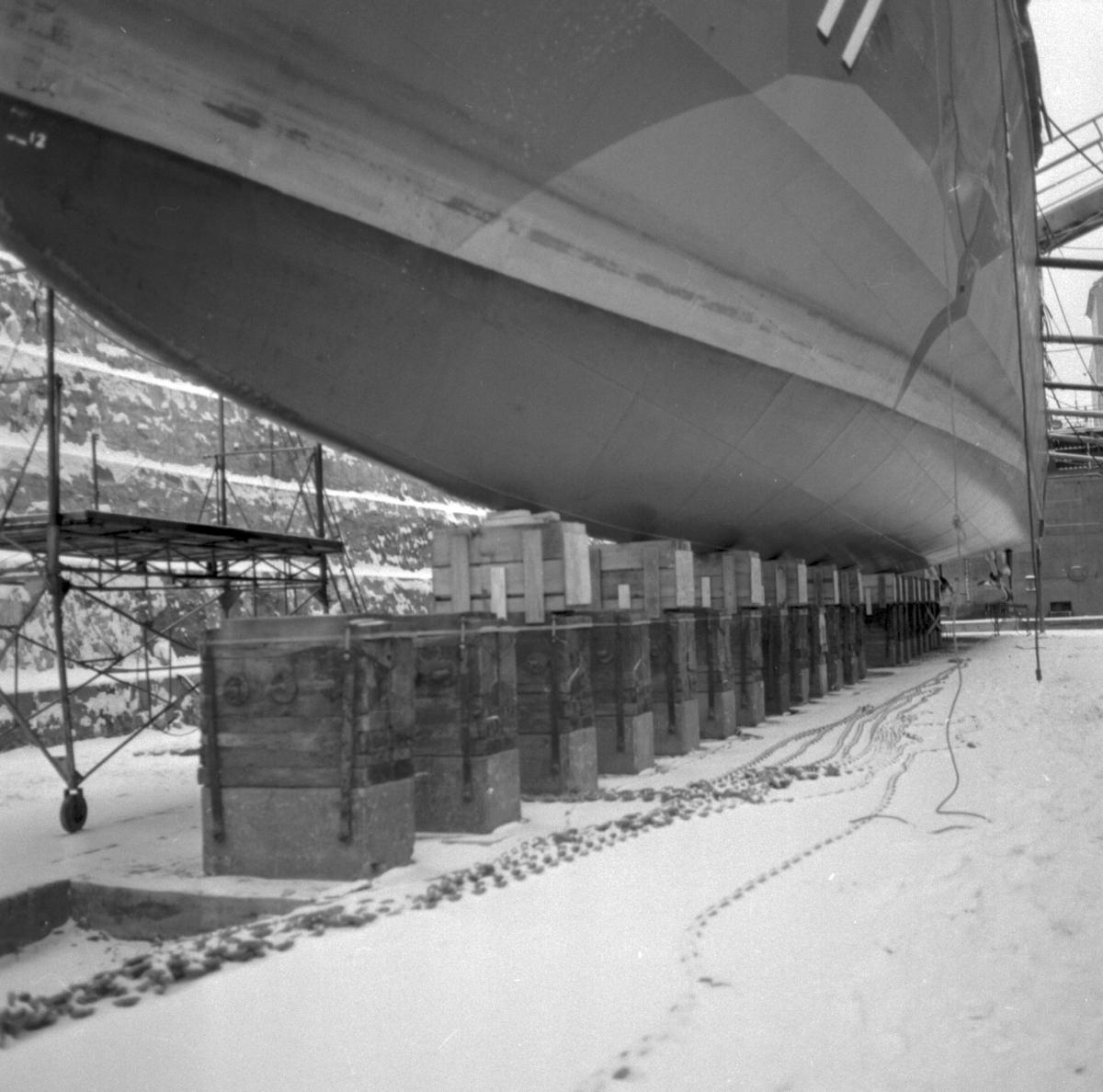 Stockholm Kustkorvetten Stockholm på kölblock i docka 1\\\\anm. neg ingår i ens erie om 4 varav endast det första\\V 102558 scannats/gp
