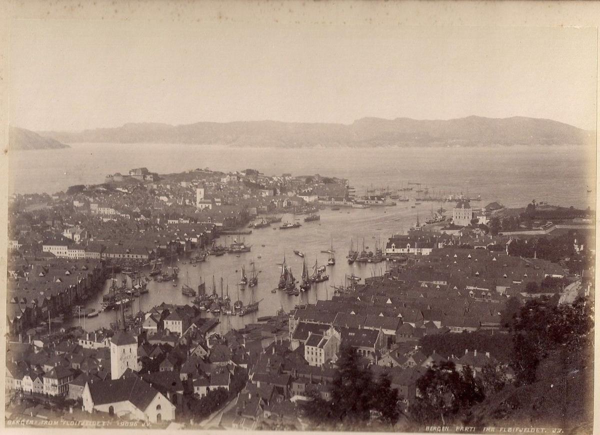 Utsikt fra Fløifjellet mot Vågen i Bergen
