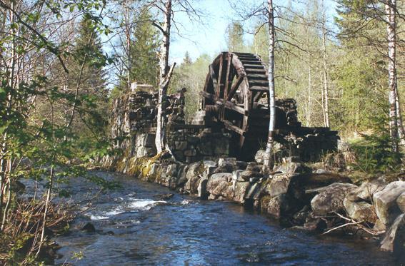Vasshjulet i Losby slik det så ut før restaureringen ble satt i gang. Foto: Lørenskog kommune (Foto/Photo)