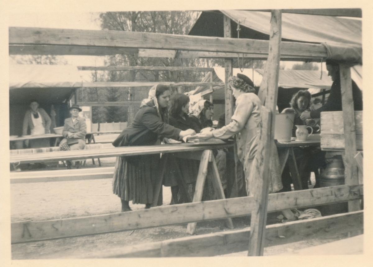 Bild tagen i samband med vårmarknaden i Torsby 1949.