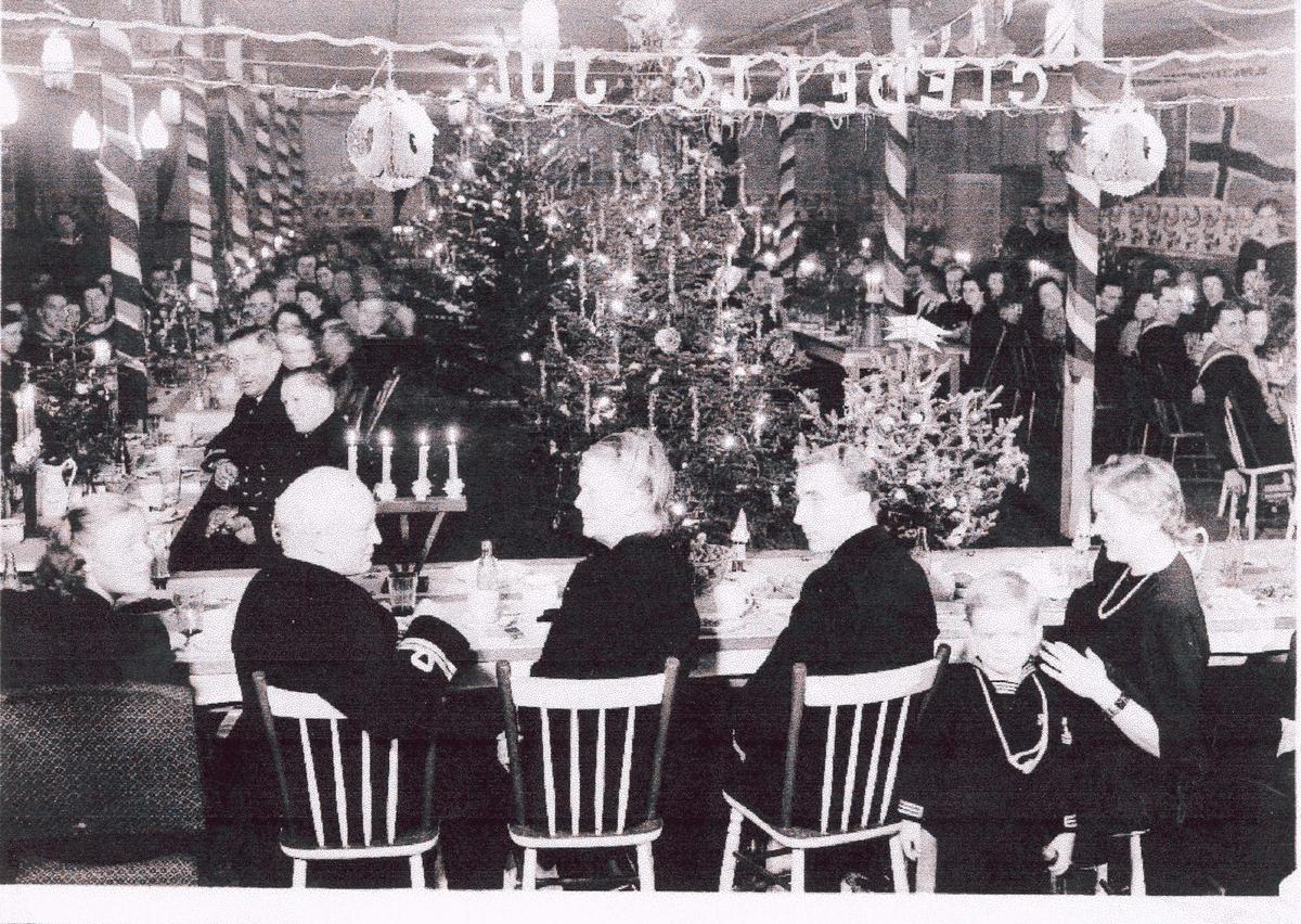 Camp Norway, skolen for utdanning av skyttere til handelsflåten, Lunenburg 1941.  Julefeiring