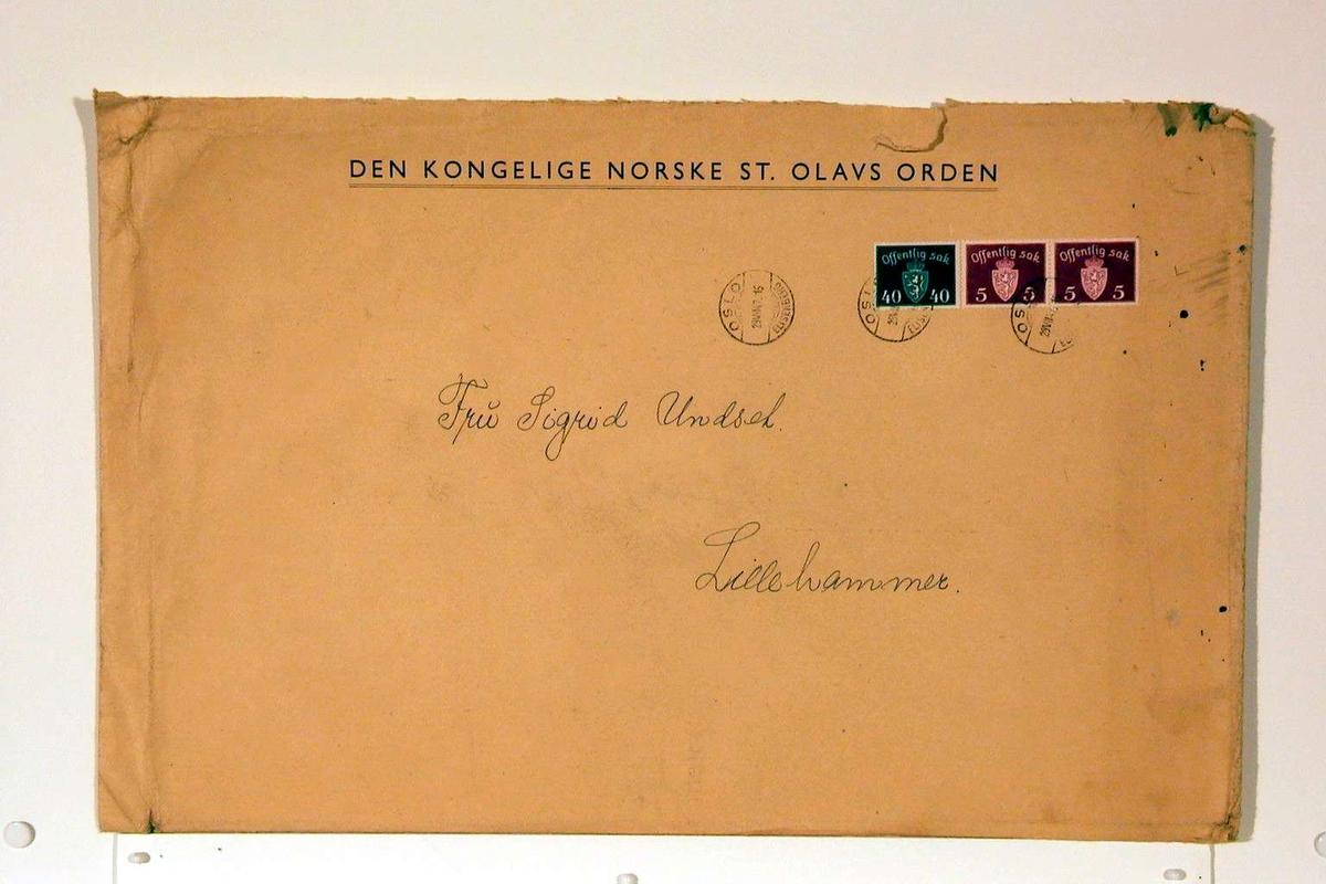 Tom konvolutt med frimerker og stempler.