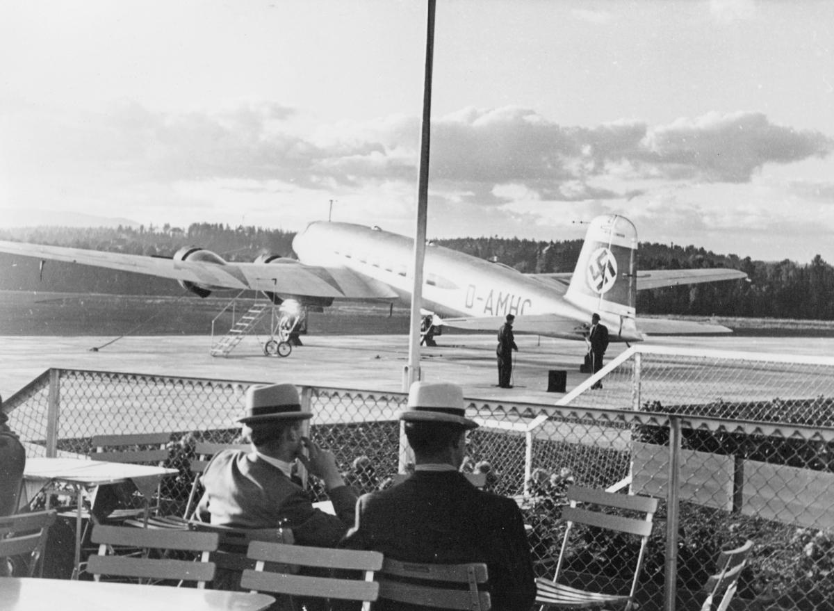 transport, fly, Focke-Wulf 200 Condor, eksteriør, Fornebu, menn, på bakken
