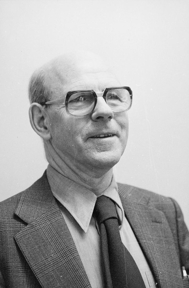 markedsseksjonen, Asbjørn Aarak, portrett