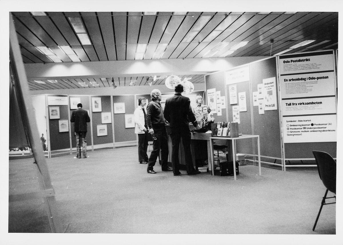 markedsseksjonen, Oslo postgård 50 år, utstilling, mennesker, filateli
