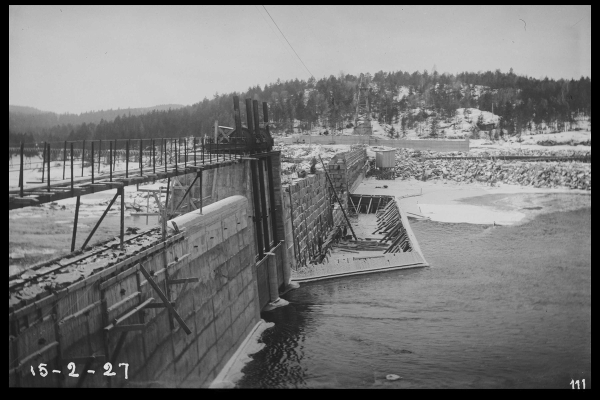 Arendal Fossekompani i begynnelsen av 1900-tallet CD merket 0468, Bilde: 1 Sted: Flaten Beskrivelse: Under utbygging