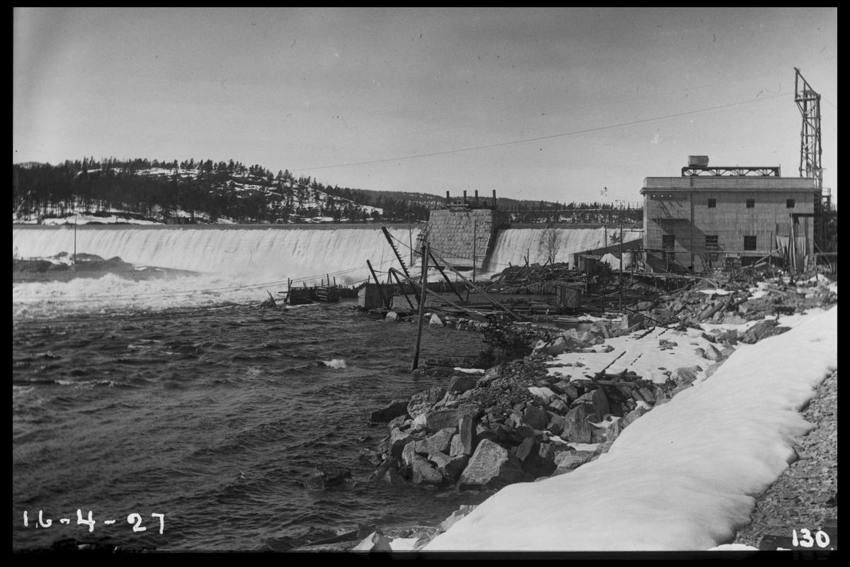 Arendal Fossekompani Flatenfoss kraftverk 16. april 1927. Anlegget ble påbegynt i 1925, og satt i drift 1927. CD merket 0470, Bilde: 65 Sted: Flaten