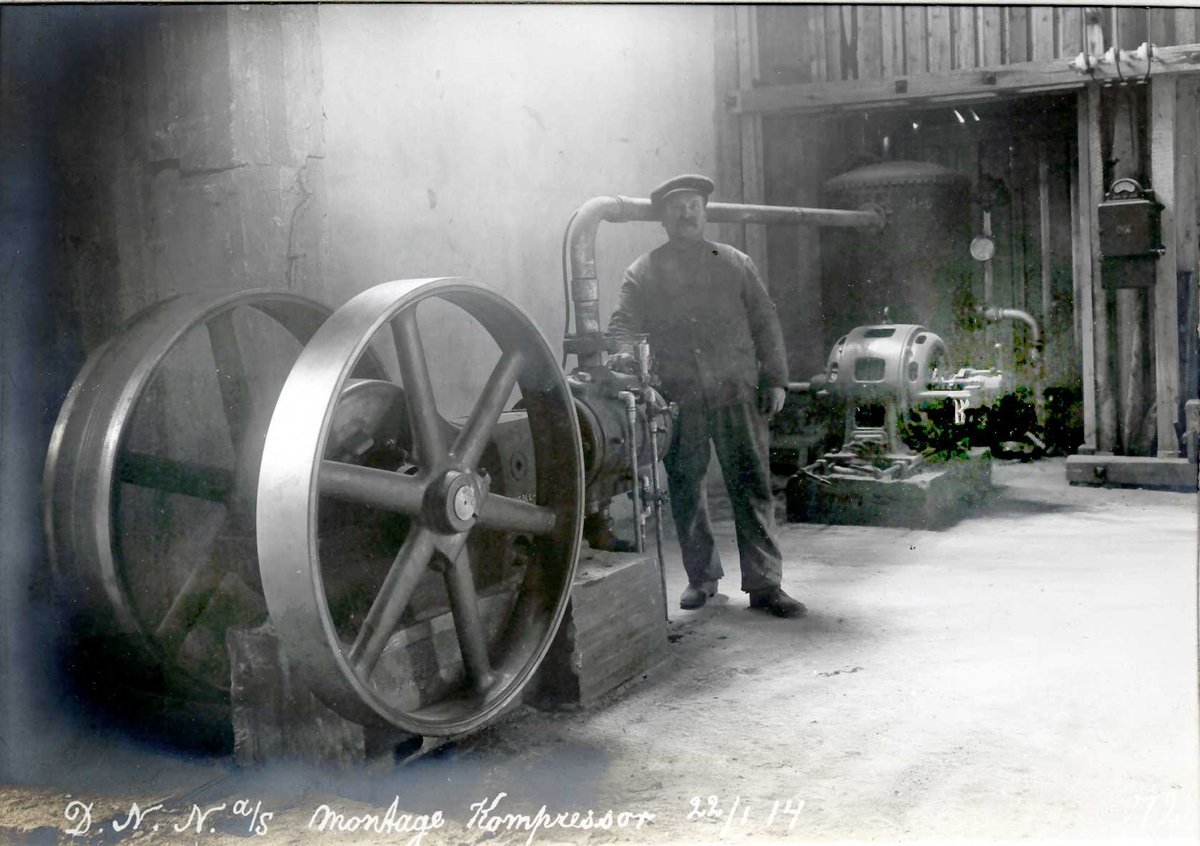"""22/01-1914"" Nitriden. Montasje av kompressor."