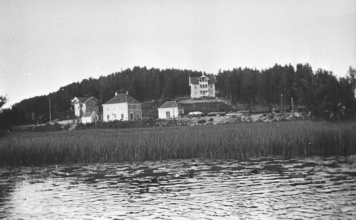 Kolbotn sentrum.Fra v.:Telegrafen, jernbanestasjonen og Kringsjå