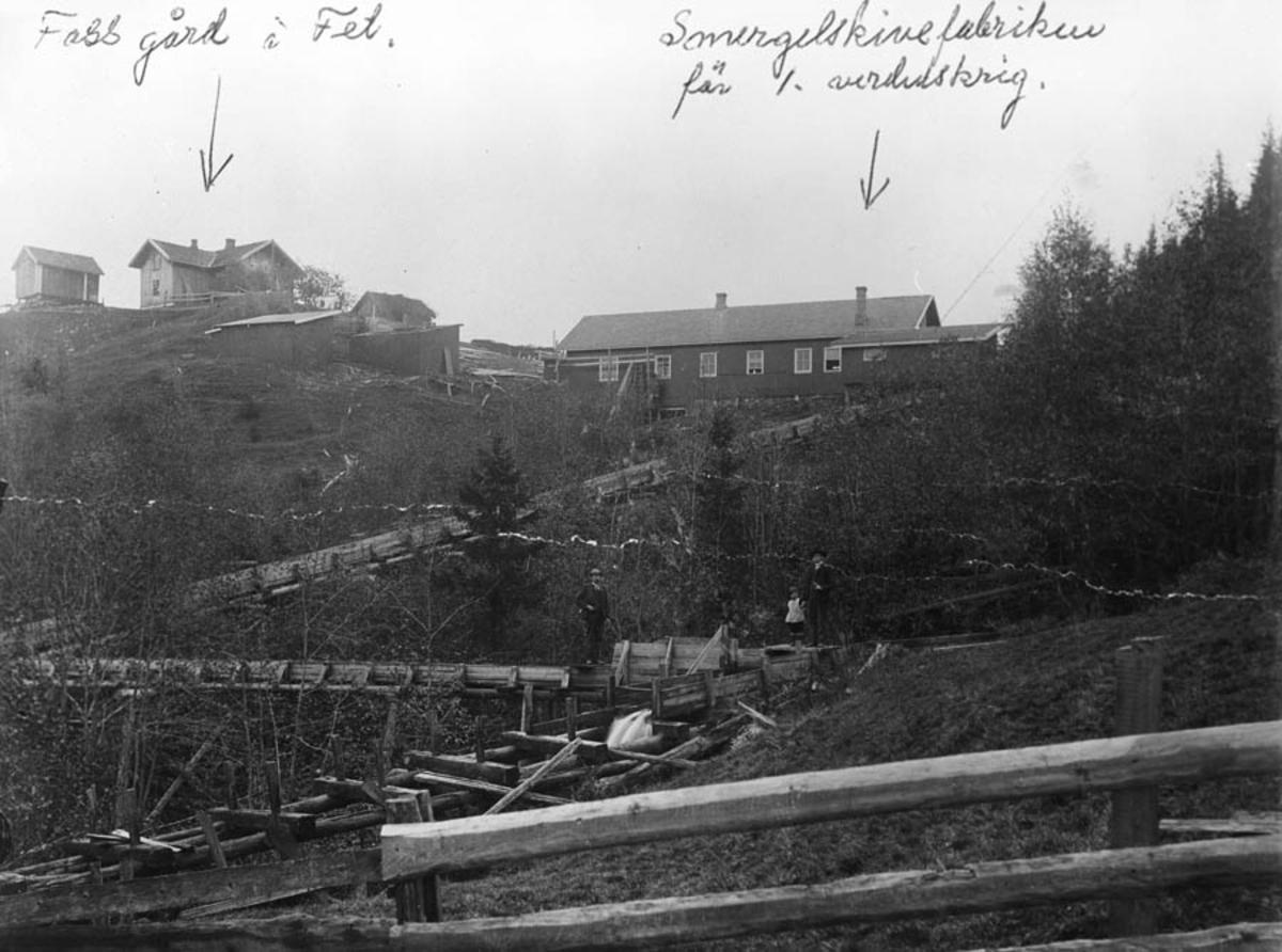 Industrianlegg, smergelskivefabrikk, gård, bebyggelse.