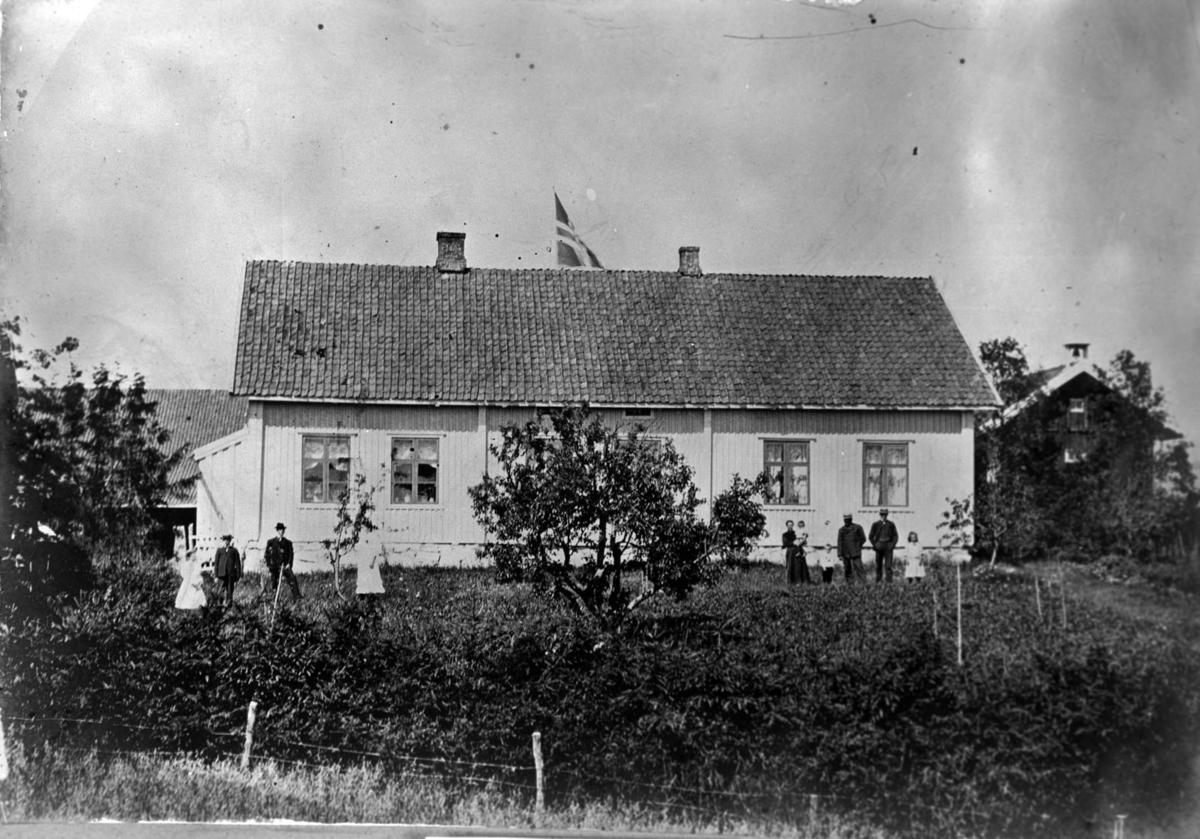Hovedbygningen på Fladby før 1923, da ble den ombygget