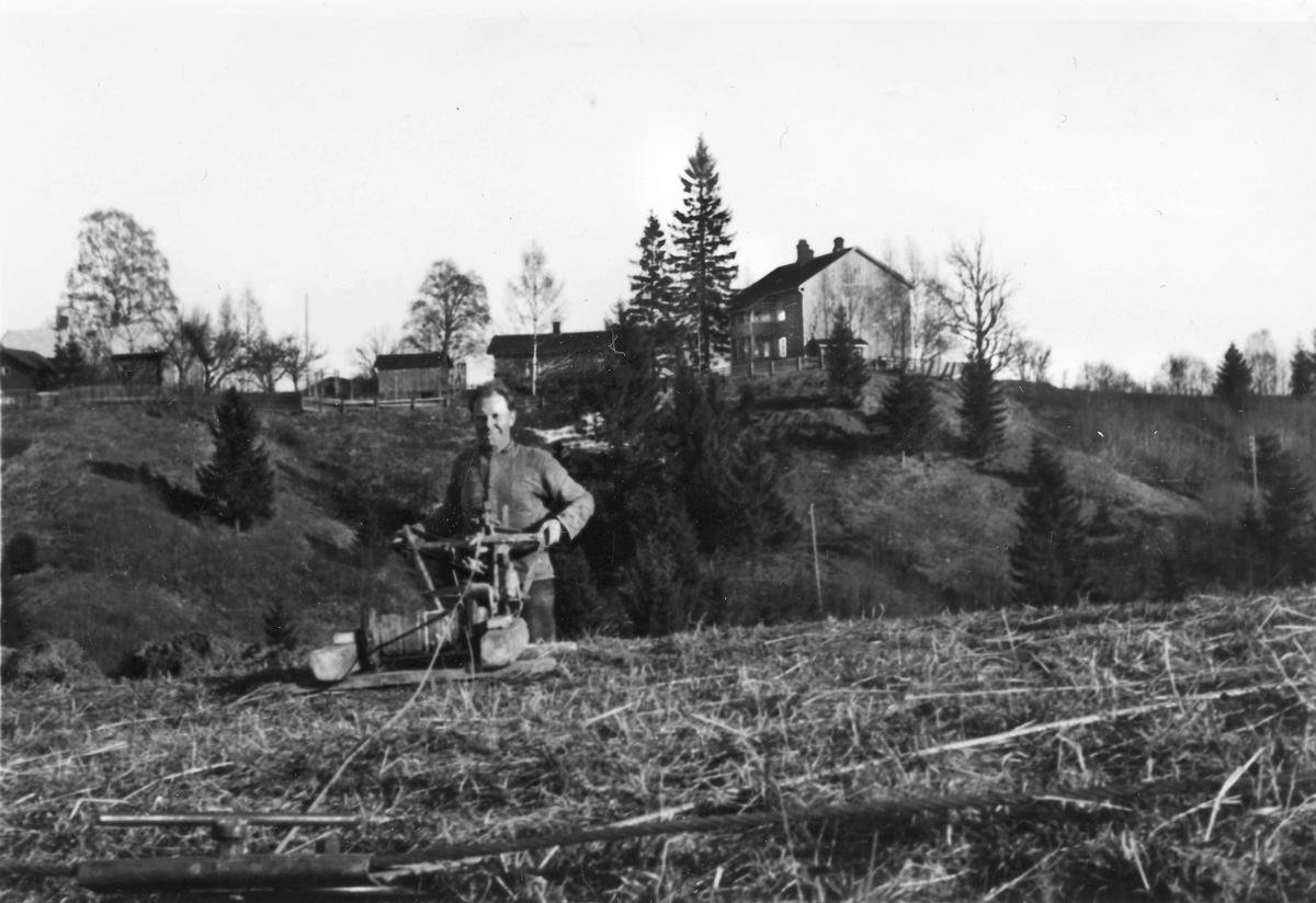 Erling Myhrer pløyer i motbakke i Ormlia.
