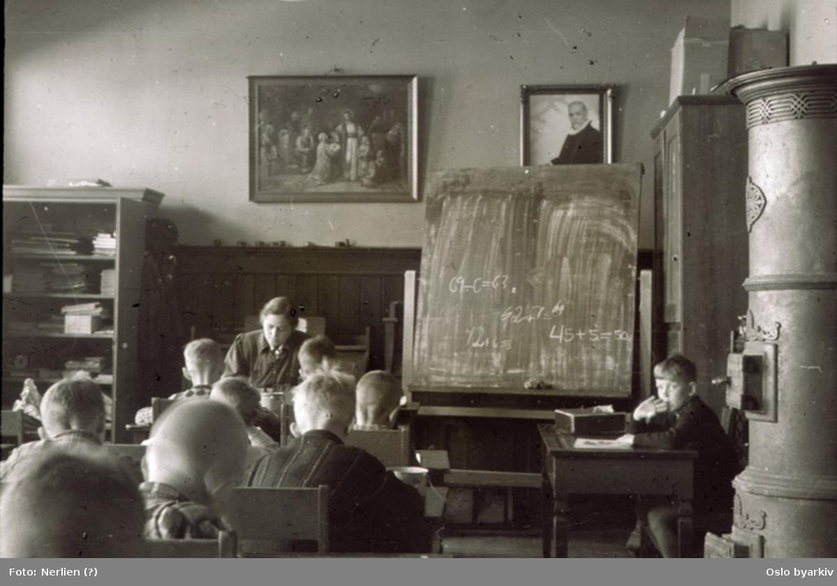 Undervisning i provisoriske lokaler ved Sagene skole under okkupasjonen.
