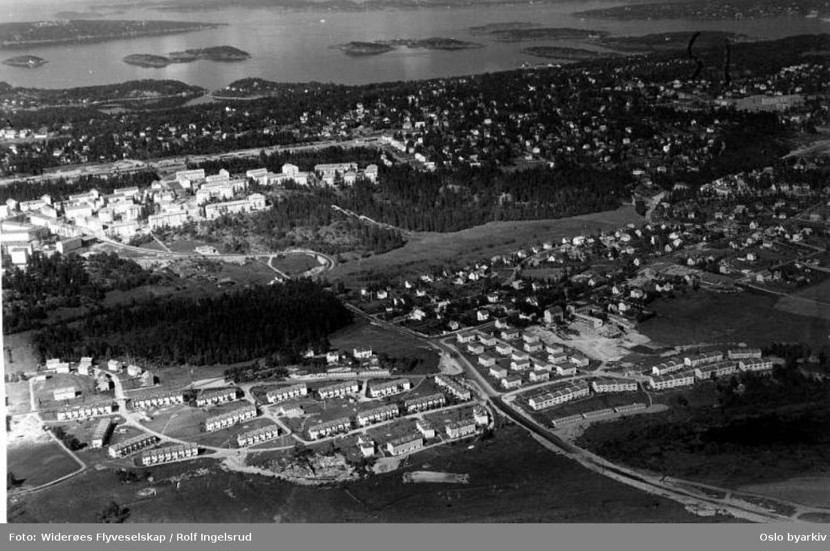 Lambertseter, Lille Langerud, Skullerudveien, Abildsø, Østensjøvannet (Flyfoto)