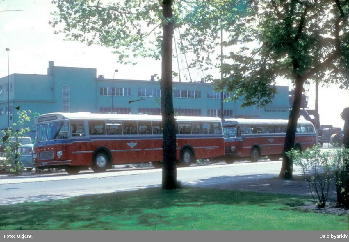 Busser, Oslo og Follo Busstrafikk, OFB busser ved Børsen i Strandgata.