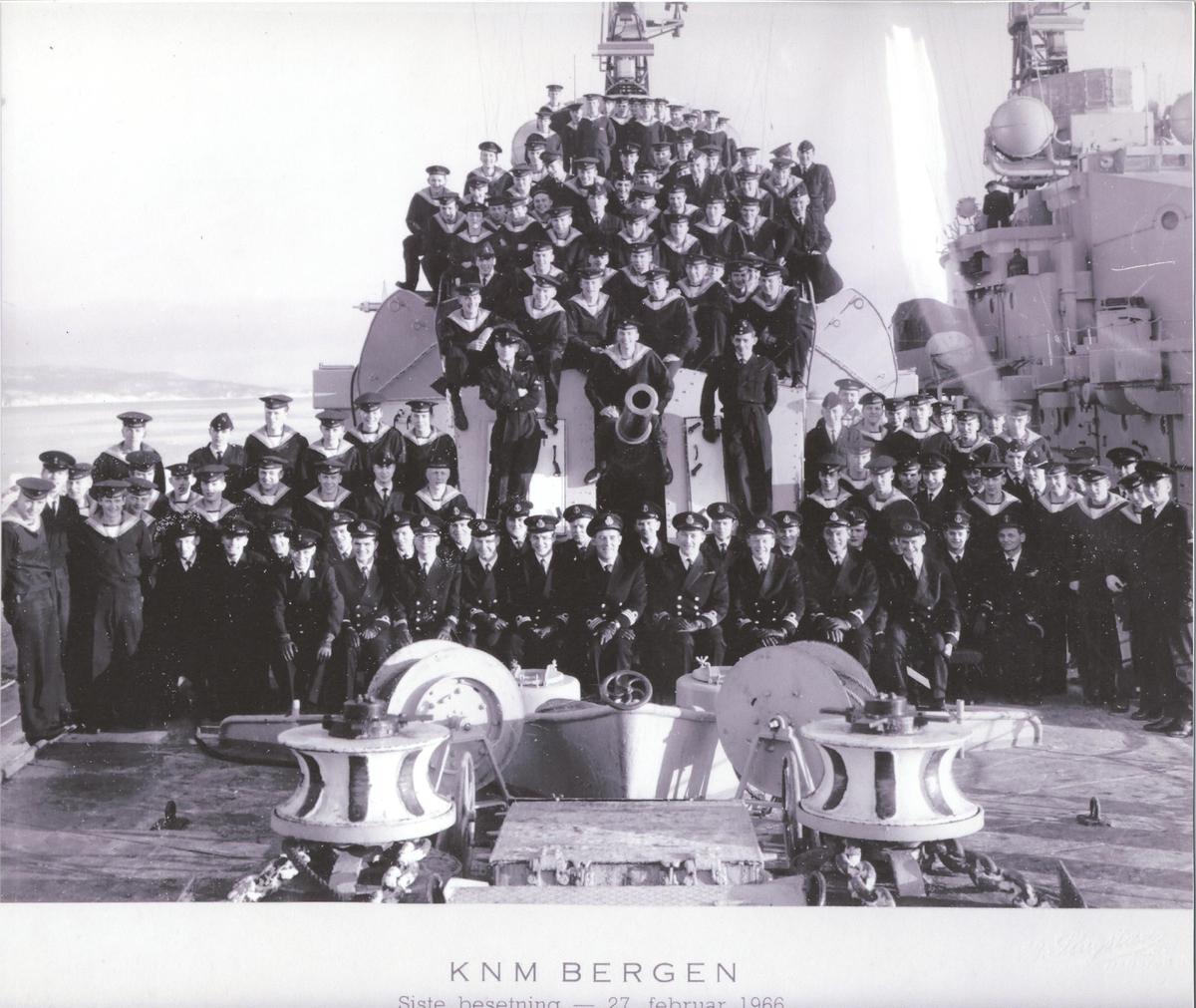 Jageren KNM Bergens siste besetning 27.februar 1966.