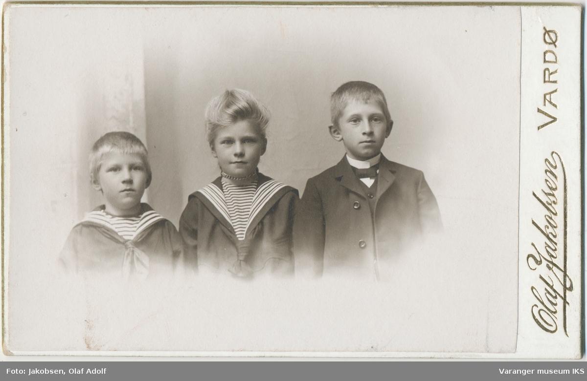 Gruppeportrett, Erling, Dagmar og Arnt Brodtkorb