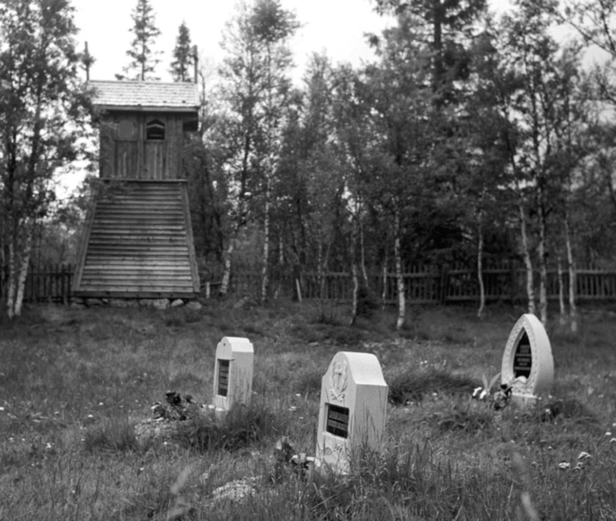 Drevdalen-Kirketårnet med kirkegården