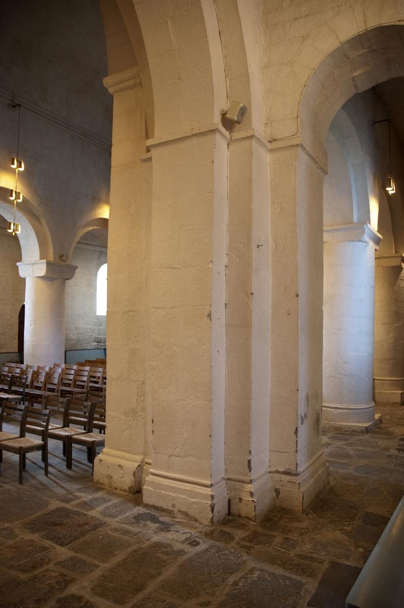 """""""Ringsaker kirke. Tårnpillaren, sett mot vest. Se """"""""Hamar Bispestol 850 år"""""""" s. 23. """""""
