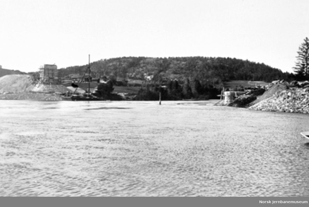 Bandak, brusted - 1923