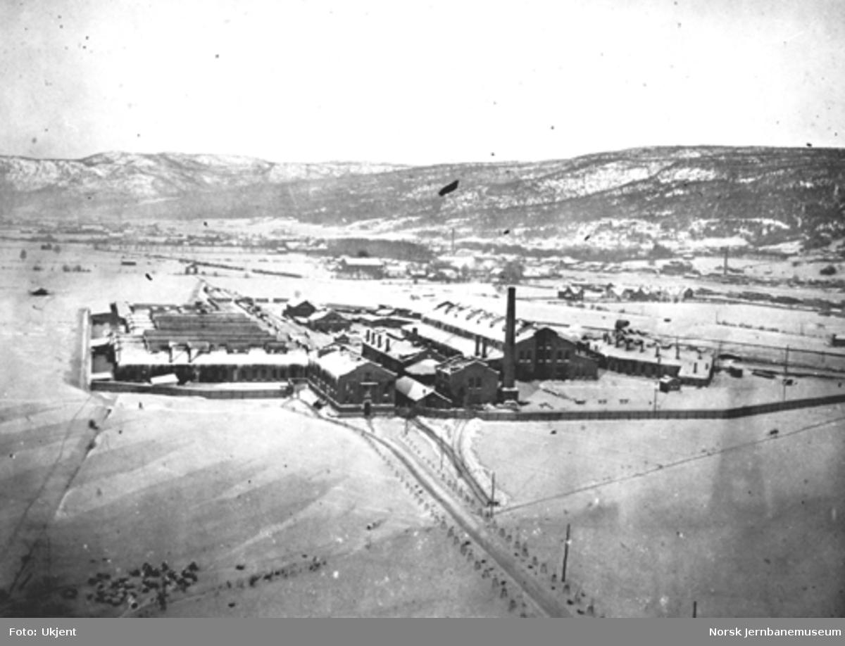 Oversiktsbilde med verkstedet Sundland, sett fra Haggeltårnet