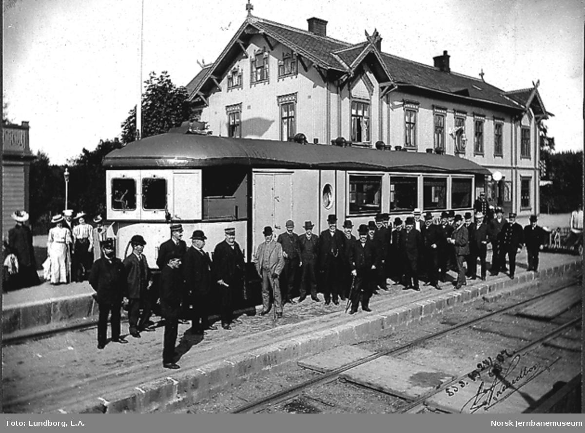 Dalslandsbanens dampdrevne motorvogn ved en prøvekjøring, på Ed stasjon