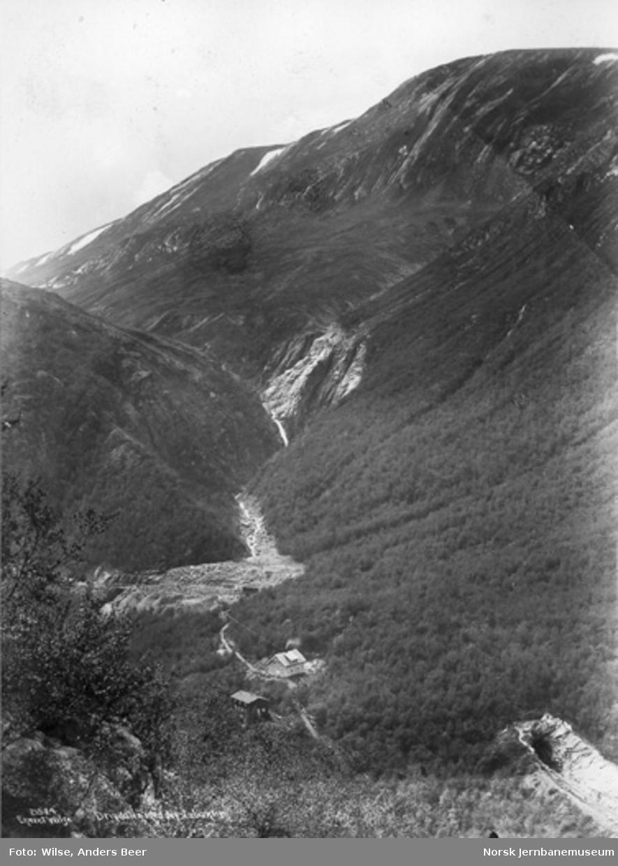 Dovrebanens trasé i Drivdalen ved Nystubekken