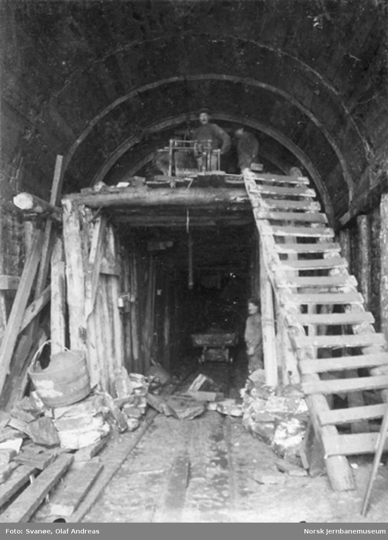 Utmuring av Kronstadtunnelen (Møllendalstunnelen); nedriving av stempling etter utmuring