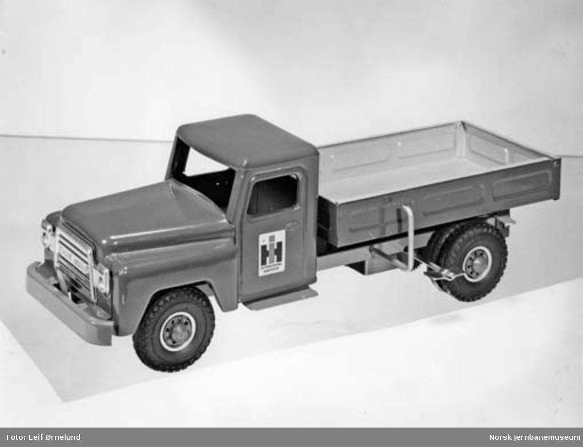 Leke : modell av lastebil