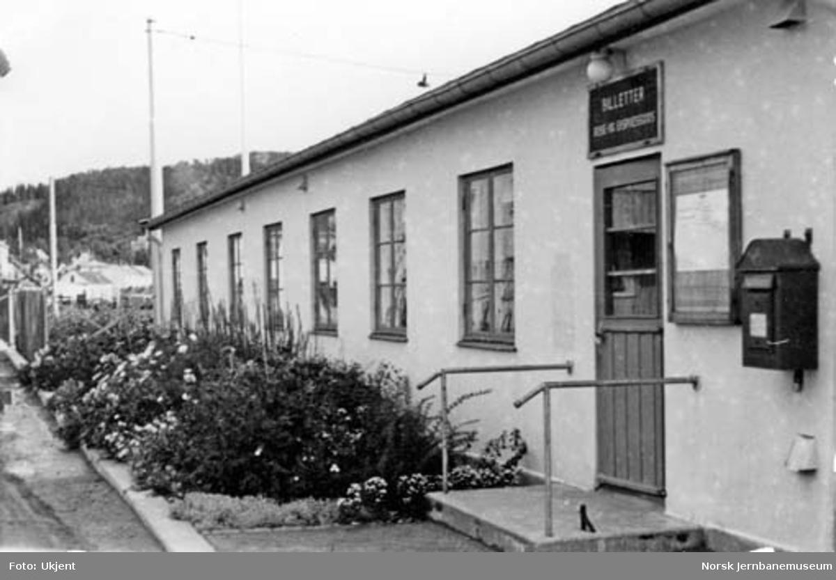 Namsos stasjon : blomsterbedene