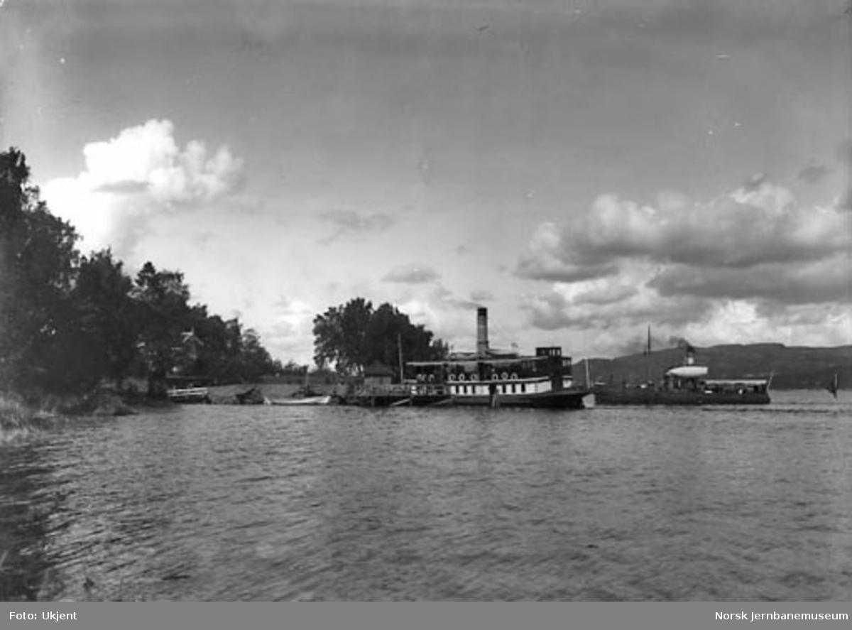 Smørstein-raset; dampbåter for de reisende