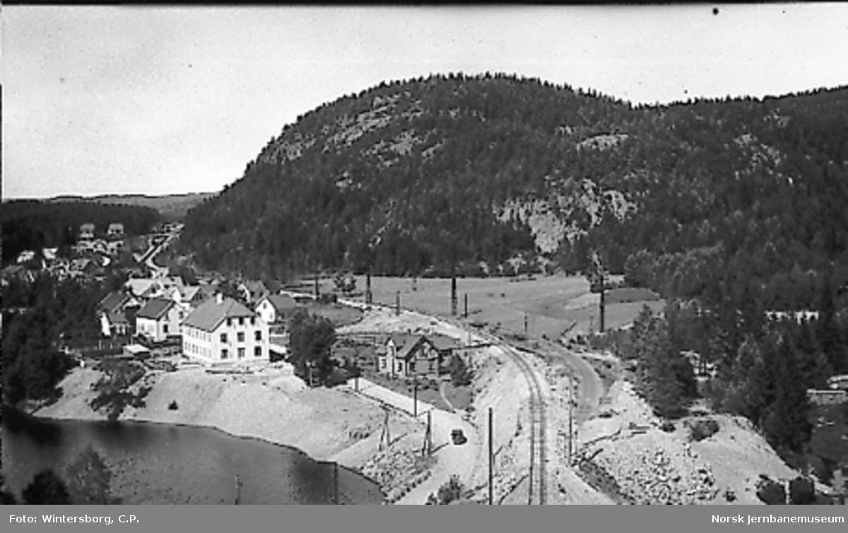 Gammel og ny trasé sett fra Tvangsdalen tunnel nordover mot Graslia holdeplass