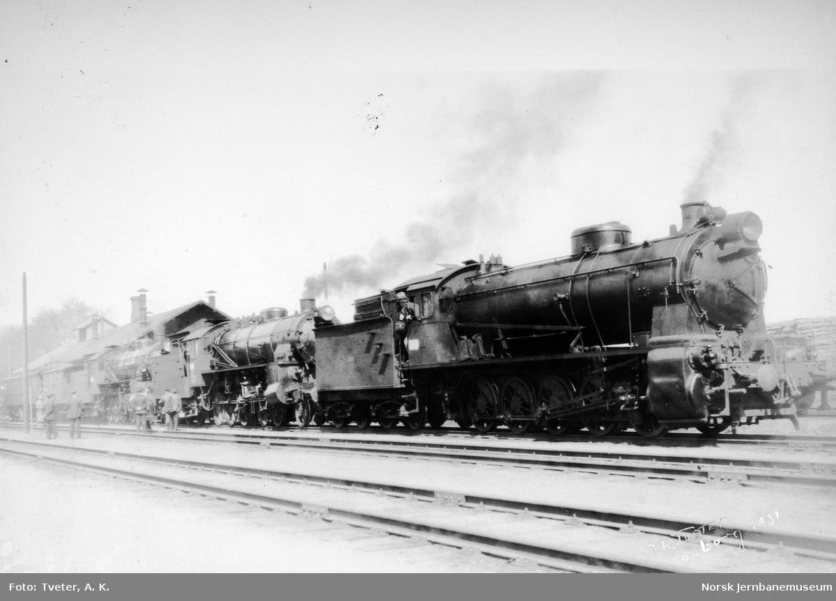Damplokomotiv type 29a nr. 169 i Sarpsborg i forbindelse med belastningsprøve Sarpsfossen bru