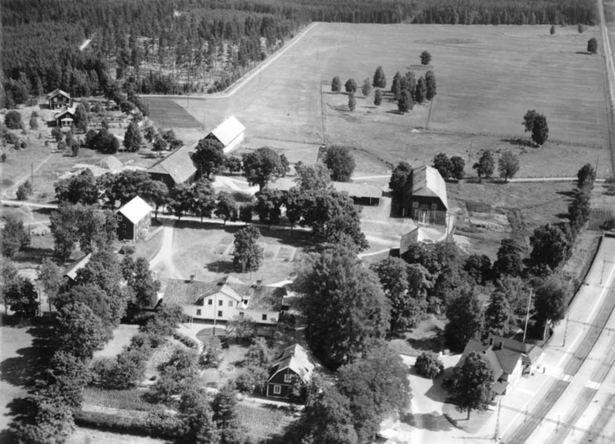 Flygfoto över Orrskog, Söderfors socken, Uppland 1948