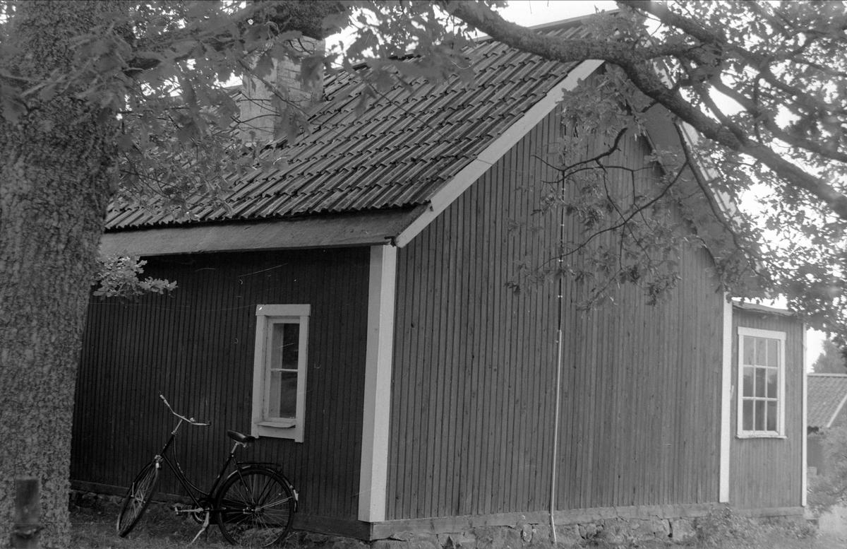 Enkelstuga, Drälinge 1:8 , 1:9 och 1:11, Björklinge socken, Uppland 1976