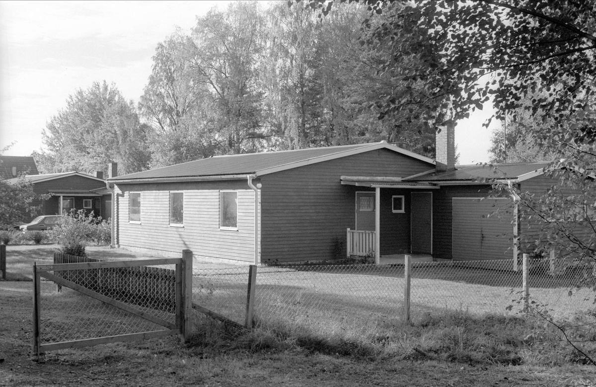 Bostadshus, Åkerlänna 8:2 och 8:3, Bälinge socken, Uppland 1983