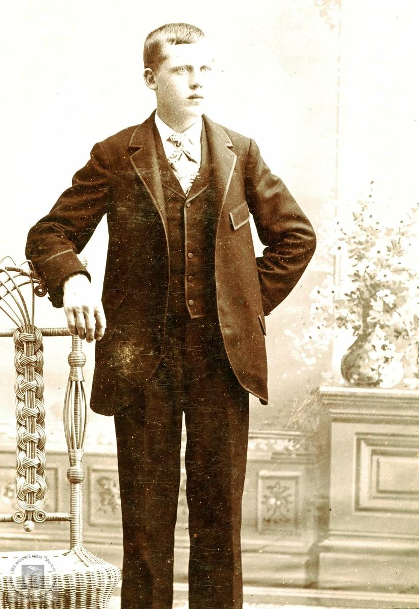 Portrett av Ånon Håland med røtter fra Grindheim.