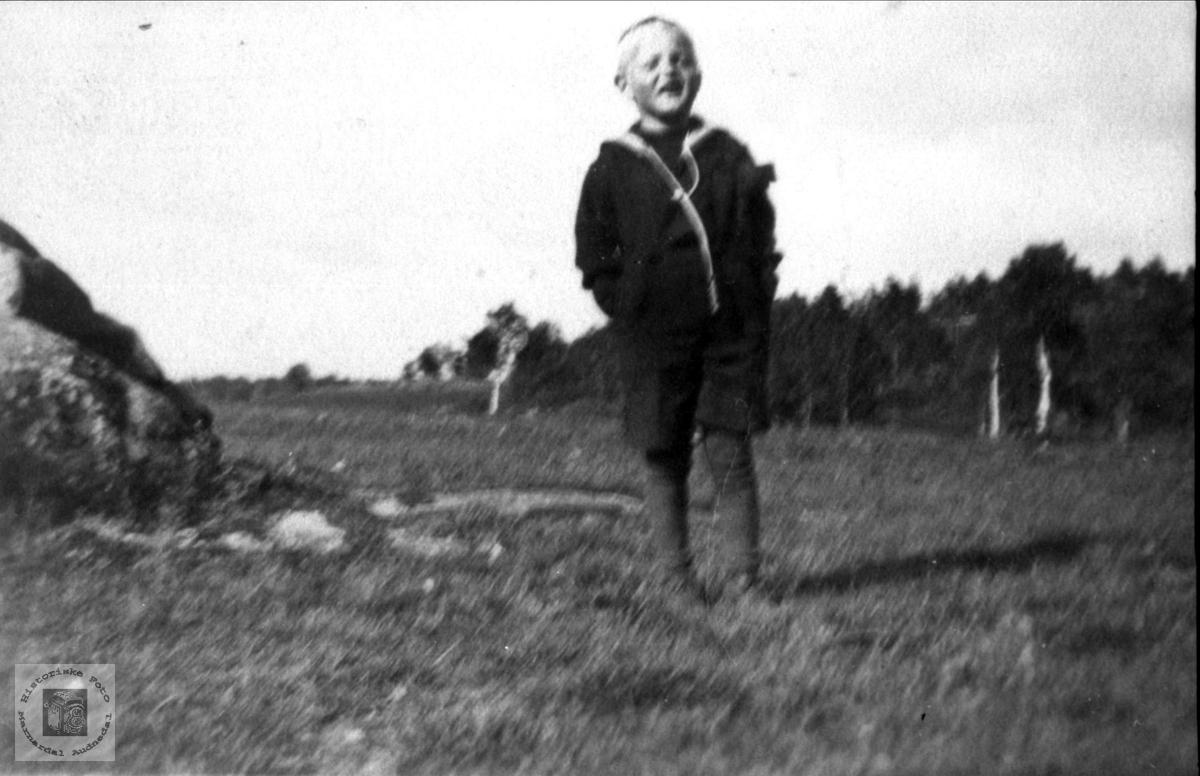 Veslegutt i den store verden. Knut N. Skuland, Laudal.