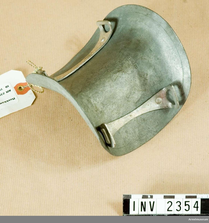 Mankkamskyddare, stl nr 7. Modell från konstruktionskontorets modellkammare, märkt nr:I-433  6/12 1946.